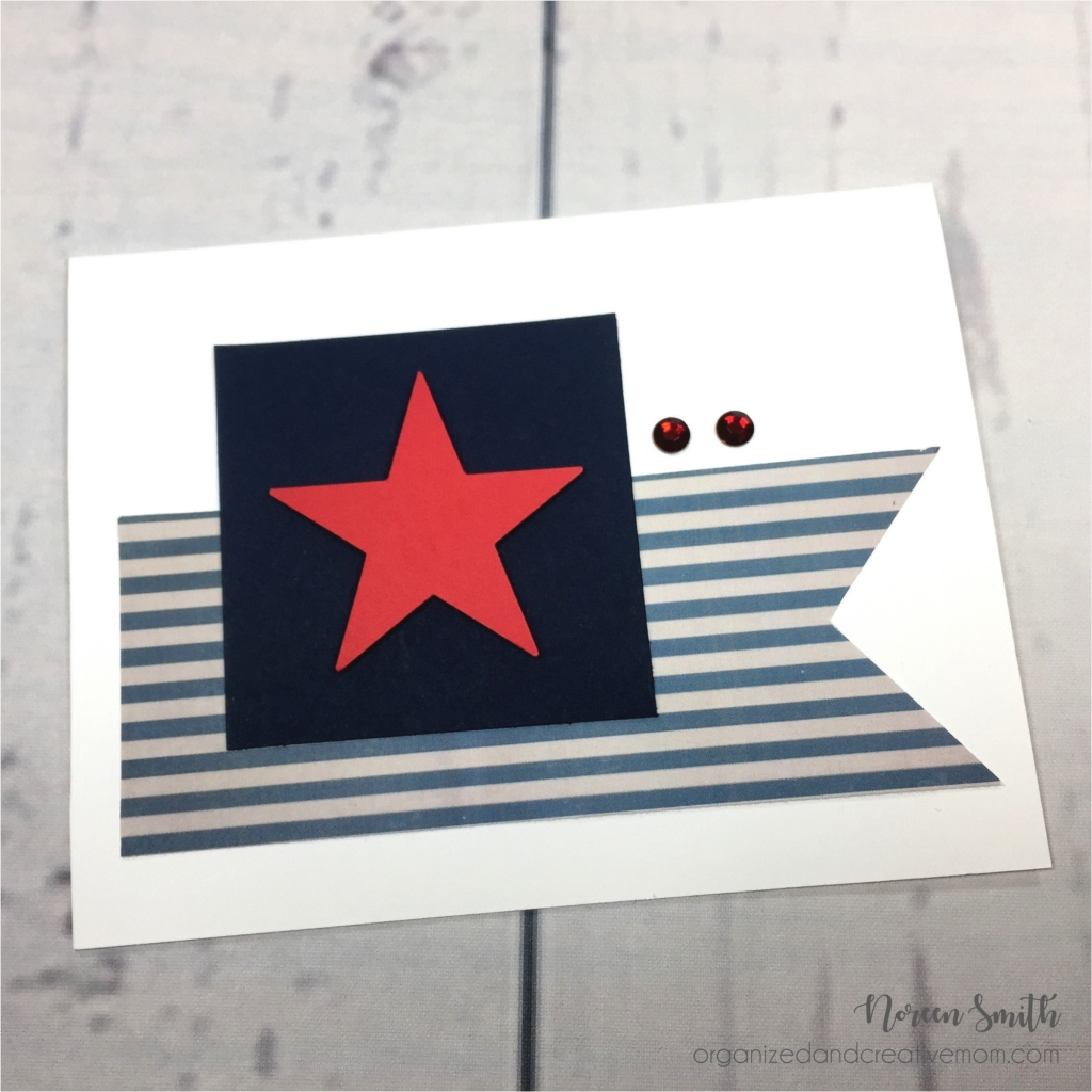 @csmscrapbooker @noreenhsmith @cmgroup #creativescrapbookermagazine #csmscrapbooker #noreensmith #creativememories #cardmkaing #cards #basicardmaking #americanpaperpack #navycardstock #redcardstock #july4 #americanbirthday #stripesandstars #usapatrioticcard #bannersoncards