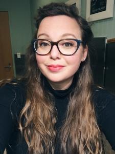 Head shot of Leah O'Neil