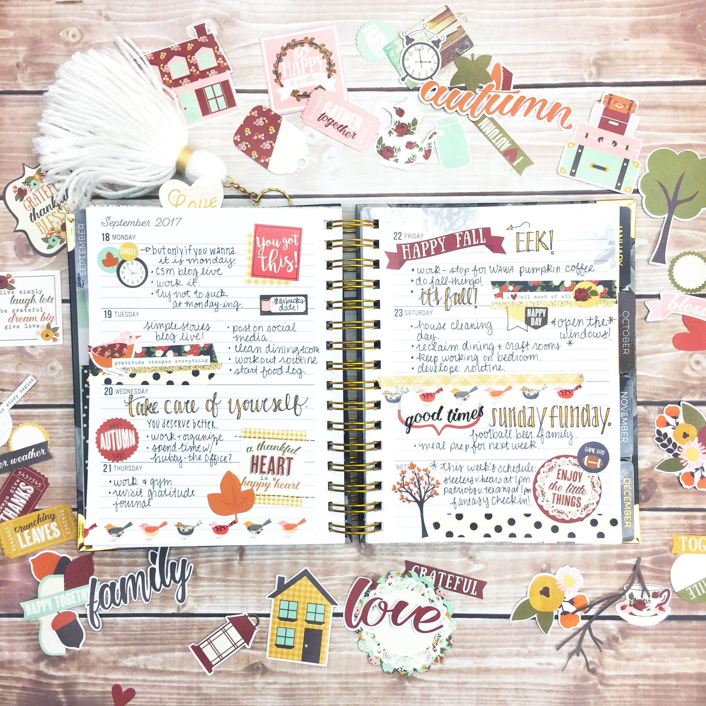 Planner | Scrapbooking You Planner | DIY Planner | Day Planner | Featuring Simple Stories | Designed by Leah O'Neil | Creative Scrapbooker Magazine #planners #journal