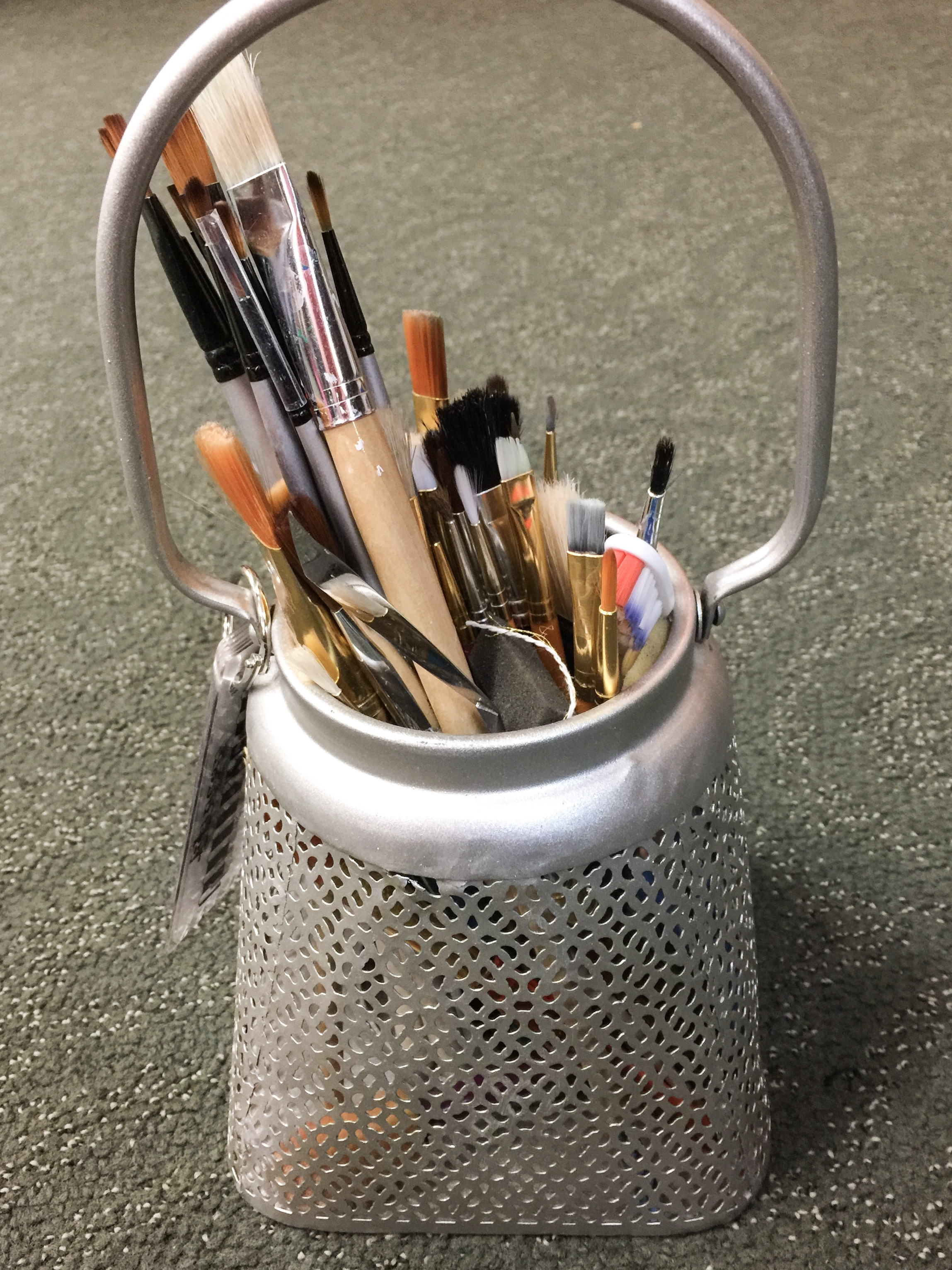 Where You Create / Packing for a retreat / organize on the go / scrapbooking supplies / artist brushes